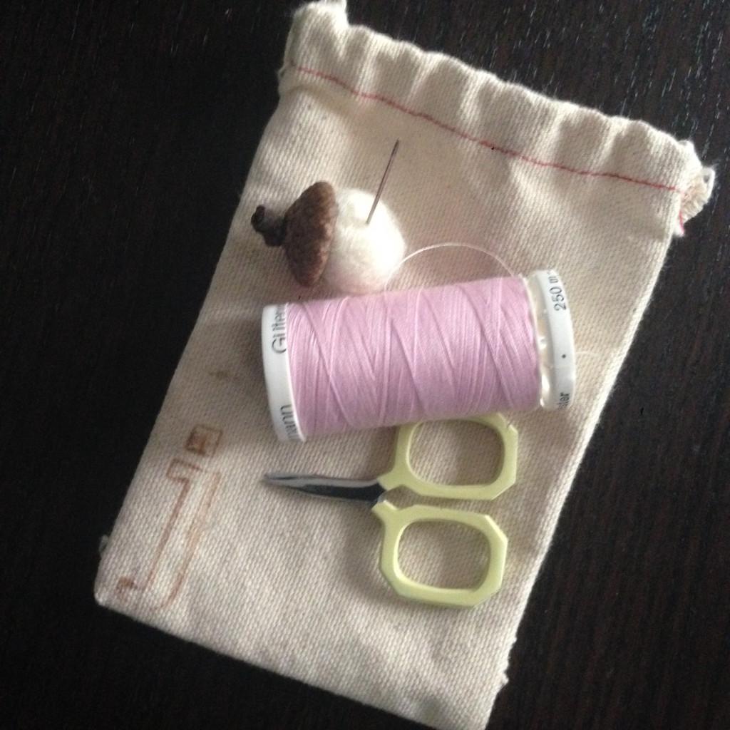 j_sewing kit